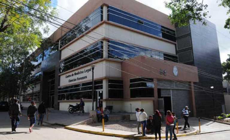 Tegucigalpa: Ingresan 2 cadáveres a la morgue; uno de ellos es de un policía