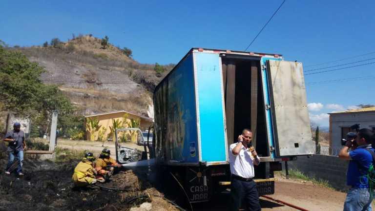 Incendian otro camión repartidor de lácteos en Comayagüela