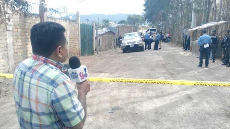 Matan a pareja dentro de camioneta en carretera salida a Olancho