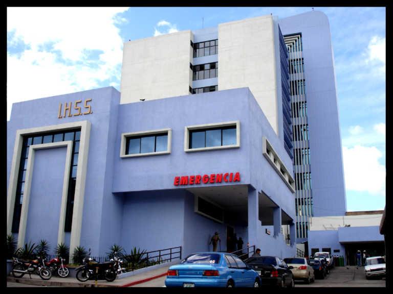 Suspenden hoy la consulta externa en el IHSS porque empleados están en celebración
