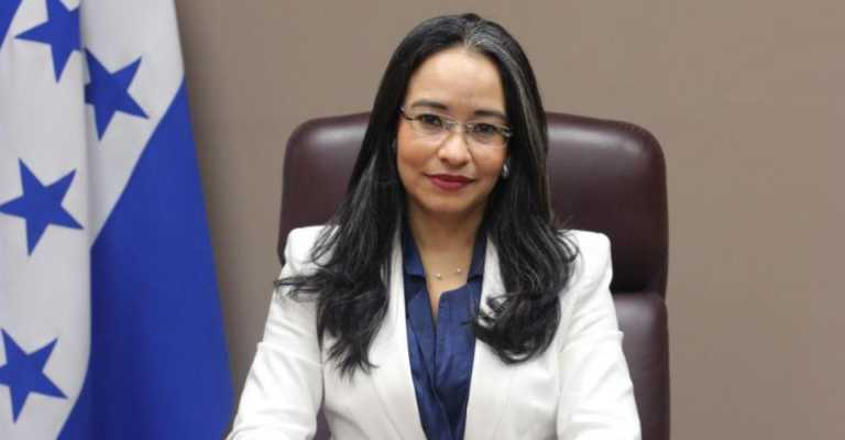 Gabriela Castellanos: Demanda de Exprimera Dama no detendrá trabajo del CNA