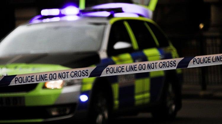 Testigo de crimen: «Le clavó un destornillador y se está comiendo su cara»