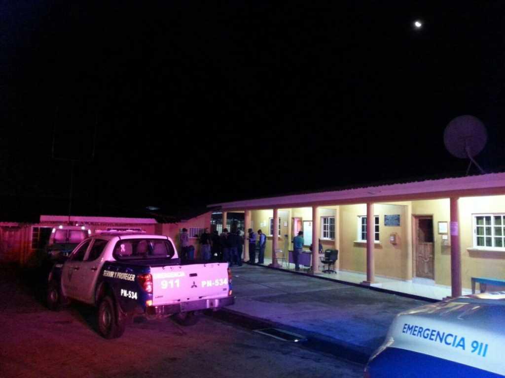 En incendio ha muerto calcinado un paciente al interior de una habitación del Hospital Santa Rosita por supuesto cortocircuito.
