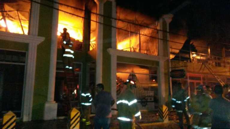 Se incendia tienda de ropa en La Masica, Atlántida