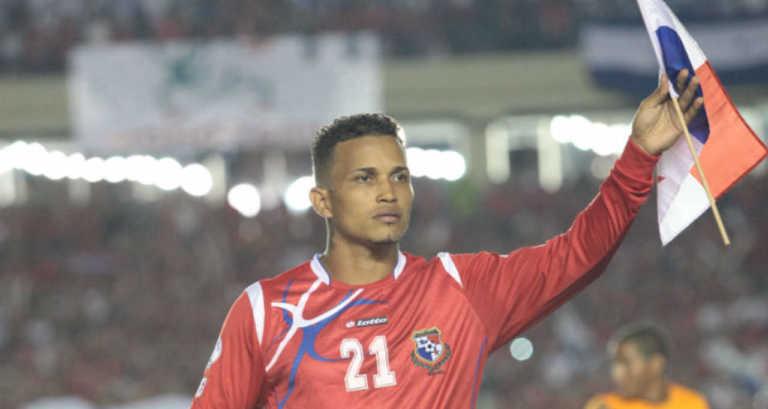 Compañeros y familiares dan el último adiós a seleccionado panameño