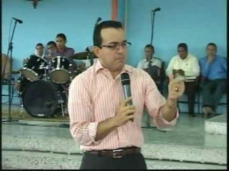 """Profeta Ramírez: """"Este libro no se llama Biblia, se llama esperma""""."""