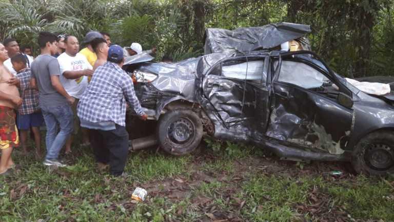 Accidente vehicular en entrada de Lancetilla deja dos heridos