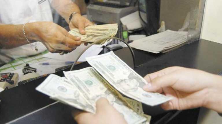 Honduras: Impuesto del 2% a las remesas enviadas de EUA, no es factible, según expertos