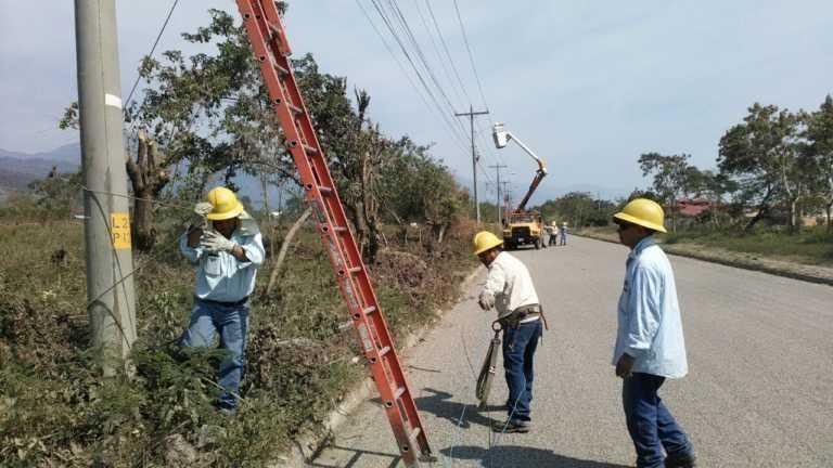 ENEE instala alumbrado público en sector Chamelecón