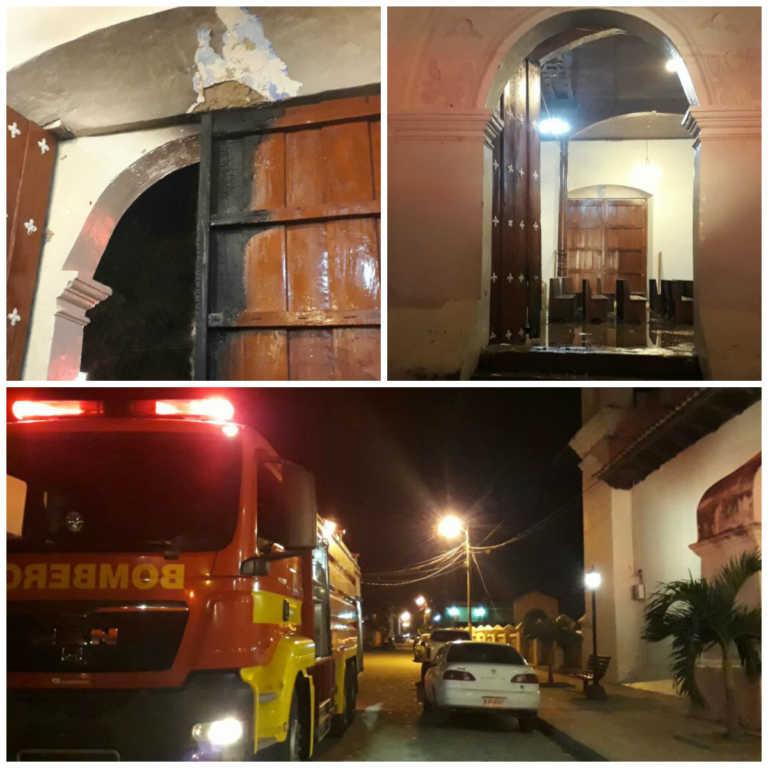 Iglesia Las Mercedes en Gracias, Lempira, a punto de quemarse