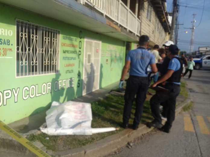 muerto frente a hotel en La Ceiba