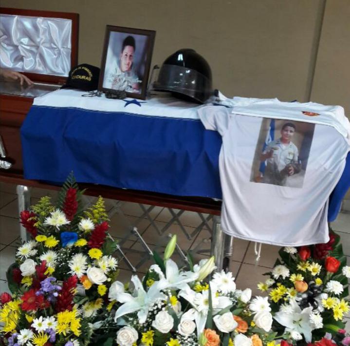 Exequias por bombero que murió electrocutado en Villanueva