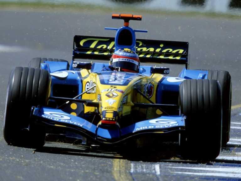 Fernando Alonso desintegró dos pájaros al mismo tiempo tras arrollarlos a más de 350 kilómetros por hora