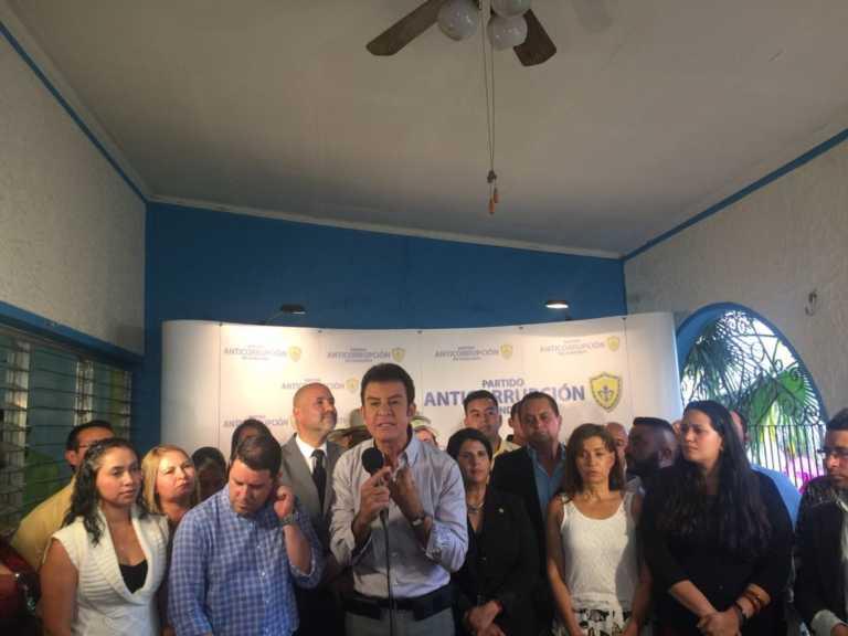 """Salvador Nasralla : """"Si el TSE insiste en realizar las elecciones el 21 de mayo, no seguiré con la alianza"""""""