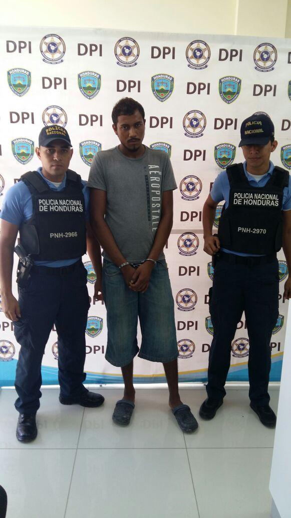 Honduras: Agentes policiales capturan tres hombres por diferentes delitos