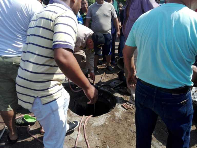 Tegucigalpa: Se desmayan dos empleados municipales mientras destapaban alcantarilla