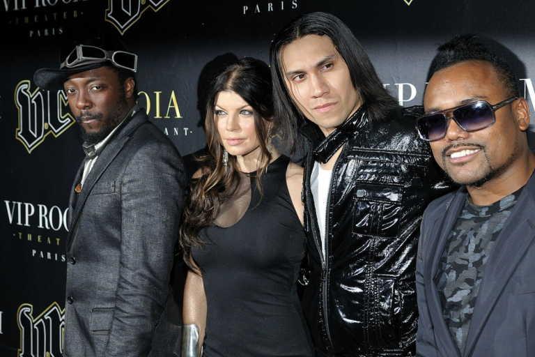 The Black Eyed Peas y un ex futbolista del Barcelona como DJ abrirán la final de la Champions