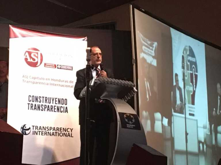Jefe de la CICIG insta a los hondureños a integrarse a la lucha contra la corrupción