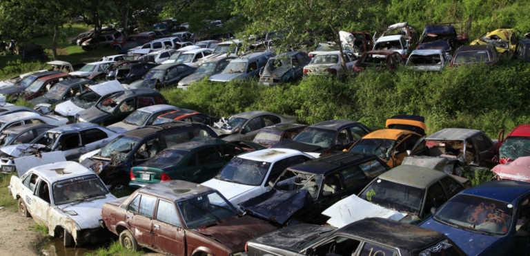 MP realiza análisis de peritaje a casi 300 vehículos abandonados