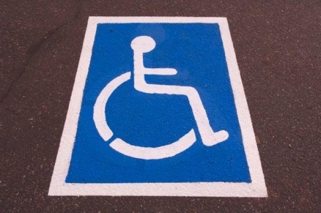 Hondureño con discapacidad denuncia abuso de un guarda