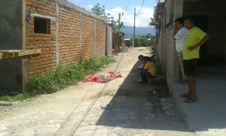 """Joven """"pistolero"""" mata a balazos a hombre enfrente de su casa en Comayagüela"""