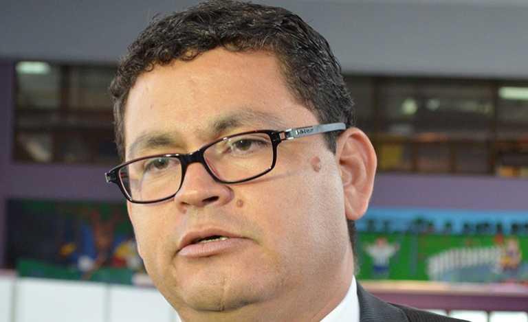 """Marlon Escoto dice tener """"perfil"""" para rector de UNAH"""