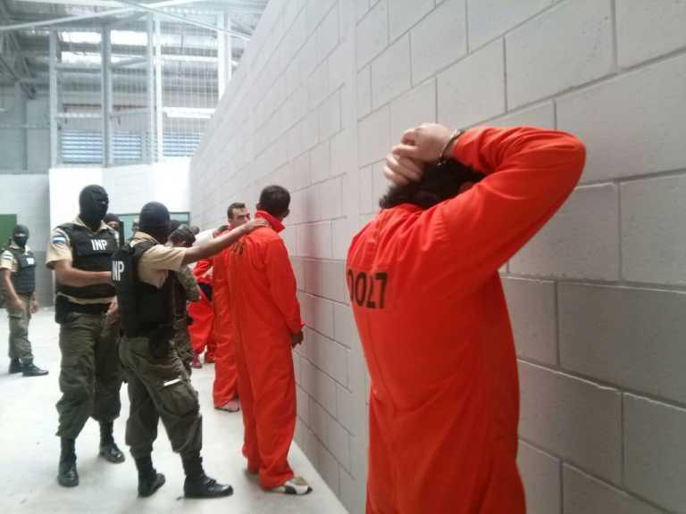 Con 30 lempiras diarios viven los presos en Honduras