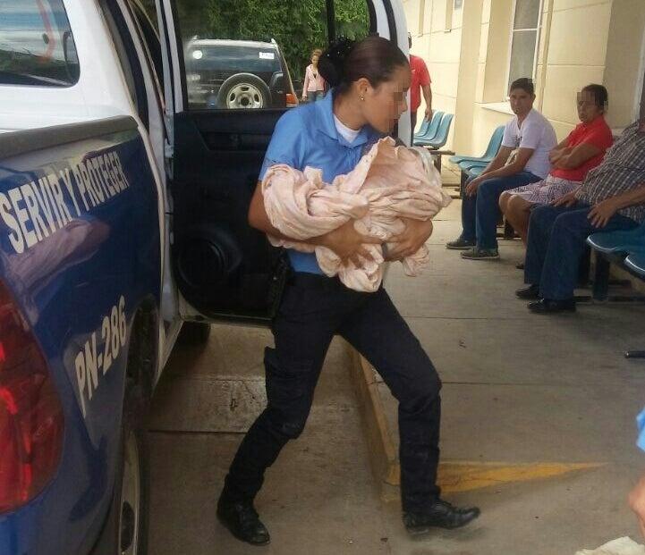 Capturan a madre que abandonó a su hijo recién nacido en un solar baldío en Danlí