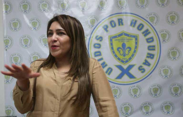 """Alvarenga: """"No he podido cobrar el cheque de la deuda política»"""