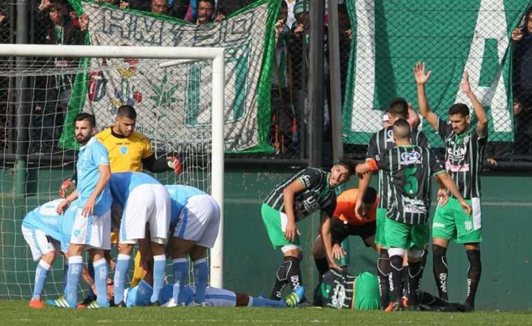 VÍDEO: Un árbitro evita una tragedia en el fútbol argentino
