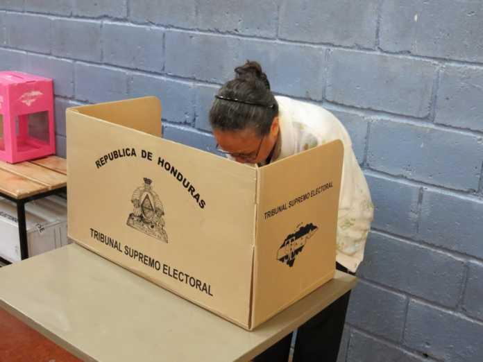 Línea continua en el voto