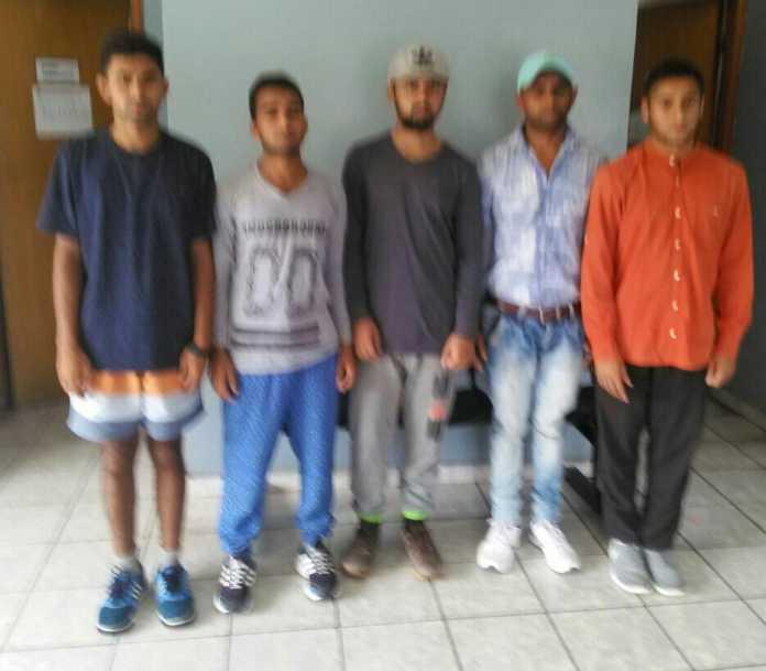 ciudadanos nepalís