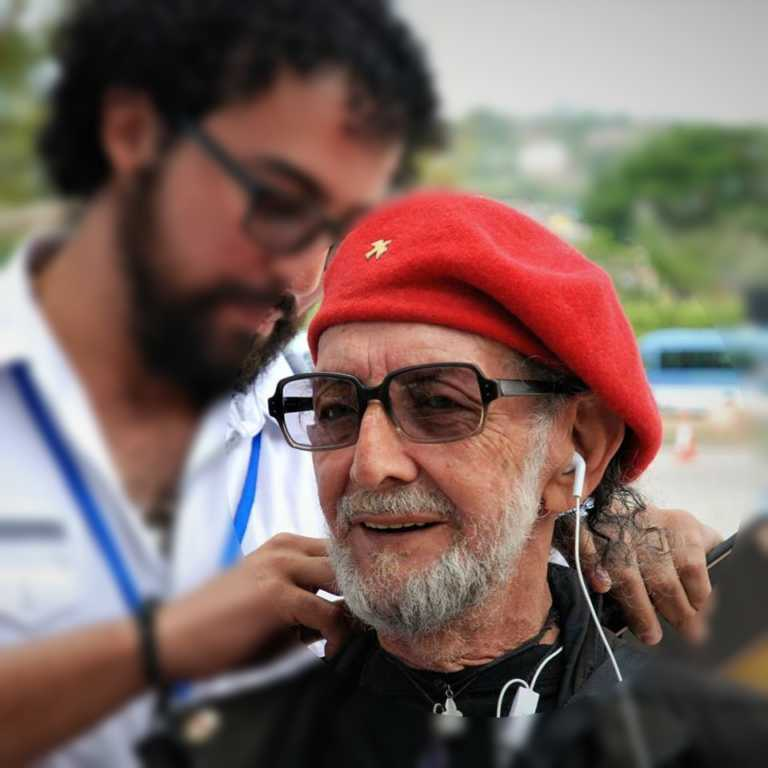 """El revolucionario Félix Cesario registra 947 mujeres en su """"libreta del amor"""""""