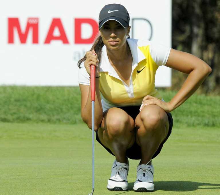 Prohíben escotes y minifaldas en el golf femenino