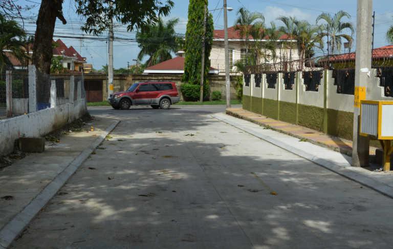 Habilitan proyecto de pavimentación en colonia El Playón de SPS