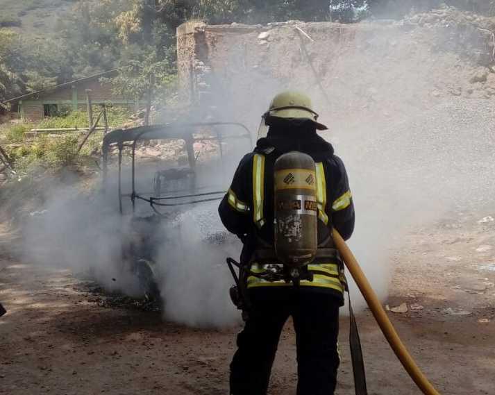 Mototaxi se incendia en el municipio de Pespire