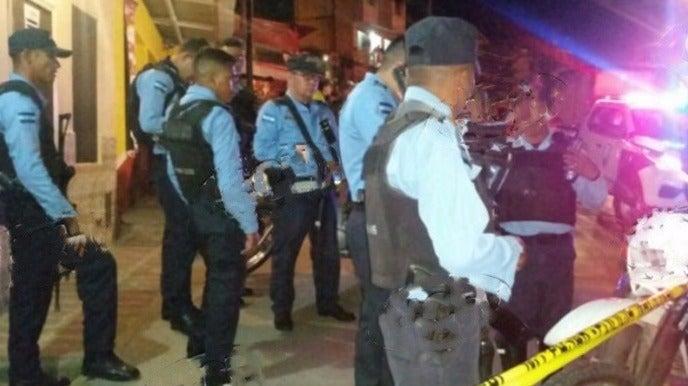 Motorizados matan a balazos a un hombre en Pollolandia de El Carrizal