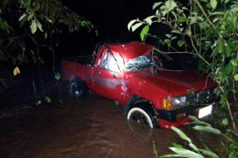 Desaparece futbolista hondureño tras ser arrastrado por río