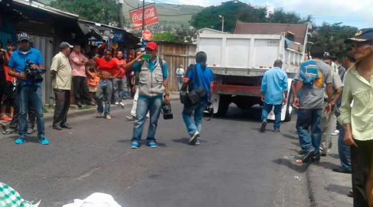 Comayagüela: Mueren madre e hija tras ser atropelladas por volqueta