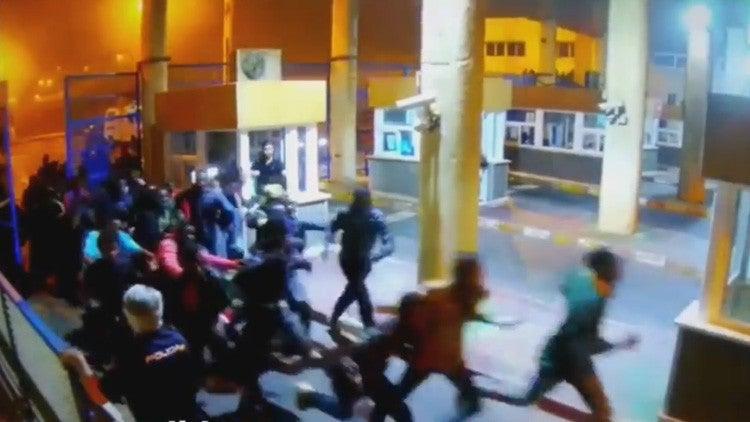 Inmigrantes entrando al territorio.