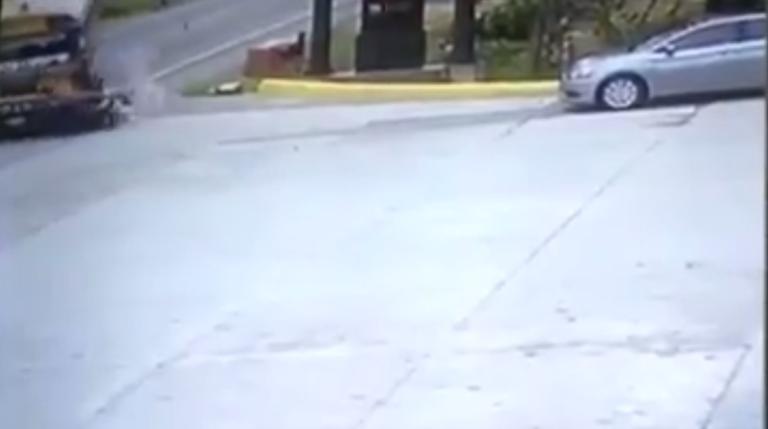 VÍDEO: Bus atropella a motociclista y mata a jovencita en La Ceiba