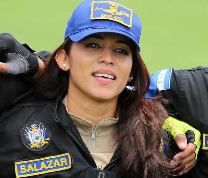 """Paracaidista Génesis Salazar: """"Sentí nervios, pero eso me ayudó a concentrarme"""""""