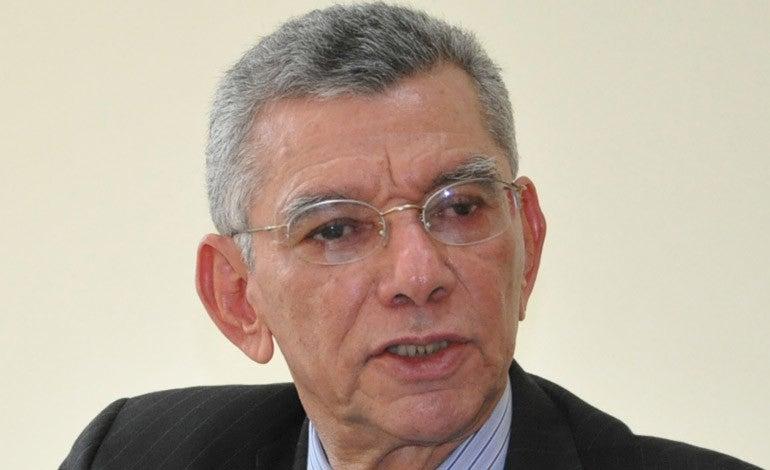 El exministro de Finanzas, Arturo Alvarado, lamentó que en términos cuantitativos, el endeudamiento público actual es superior al que existía cuando se logró la condonación de la deuda externa en el año 2005.