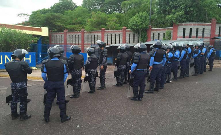 Depuradora pide suspender a policías que participaron en brutal desalojo en la UNAH