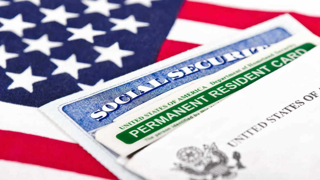 Estas son las formas en las que puedes conseguir un permiso de residencia permanente en Estados Unidos, mejor conocido como