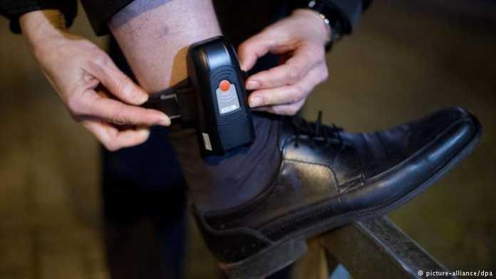El Congreso Nacional aprobó el uso de grillete electrónico para reos de menor peligro o aquellos que están por cumplir su condena.