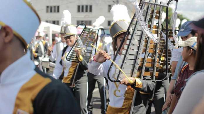 Estas son las bandas y colegios ganadores de los desfiles