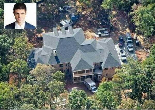 El estadounidense posee una mansión valorada en 3.4 millones de dólares.