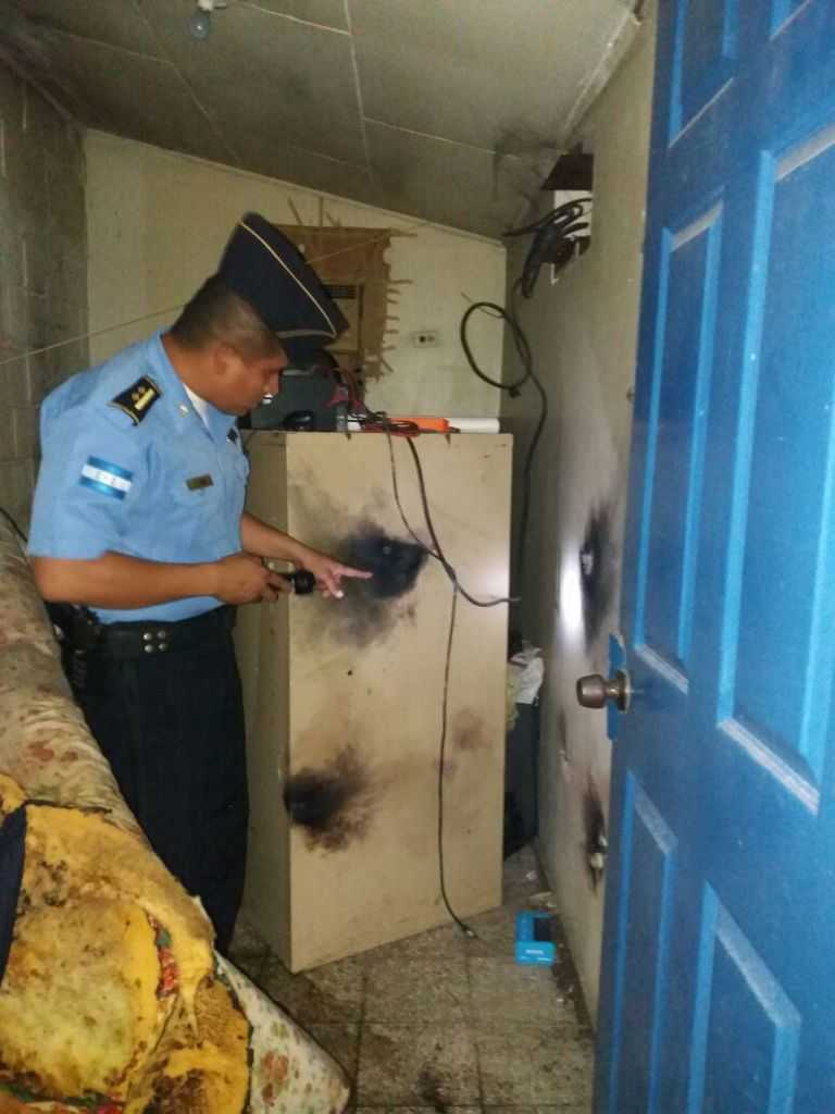 Rayo cae sobre posta policial en Choluteca