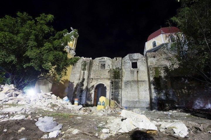 Terremoto en México: Colapsó cúpula de una iglesia durante un bautismo